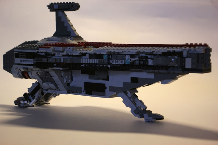 LEGO MOC - In a galaxy far, far away... - Nave de assalto classe Acclamator