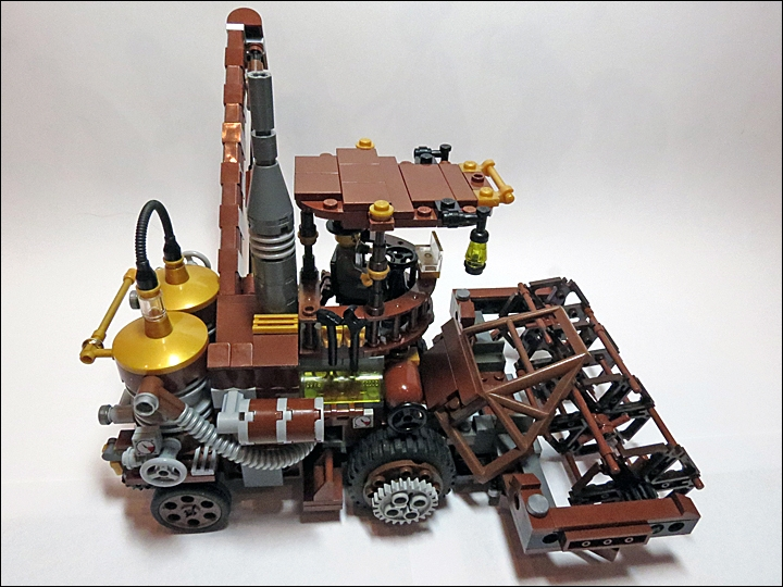 LEGO MOC - Steampunk Machine - Steampunk Harvester: Вид сбоку.