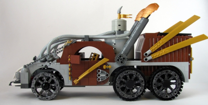LEGO MOC - Steampunk Machine - Excalibur: <br><i>- Equipped with the newest steam boiler.</i><br>