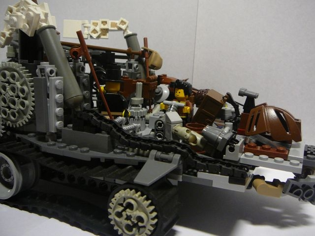 LEGO MOC - Steampunk Machine - Steampunk moving platform: Спереди справа: