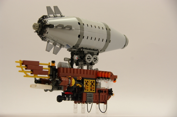 LEGO MOC - Mini-contest 'Zeppelin Battle' - Zeppelins in Hogwarts: Ура! Заработало!!!