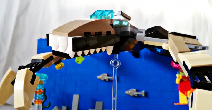 LEGO MOC - Fantastic Beasts And Who Dreams Of Them - Алмазный аллигатор : Массивная челюсть.